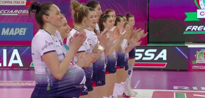 """Volley, per Lara Lugli in campo """"col pancione"""" le squadre di A2 femminili e maschili"""