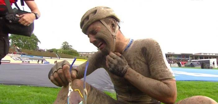 Sonny Colbrelli vince la Parigi-Roubaix: l'ex metalmeccanico entra nella storia